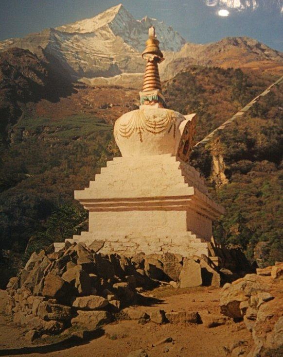 Břeclavskou synagogu zaplnily fotografie nepálských velehor.