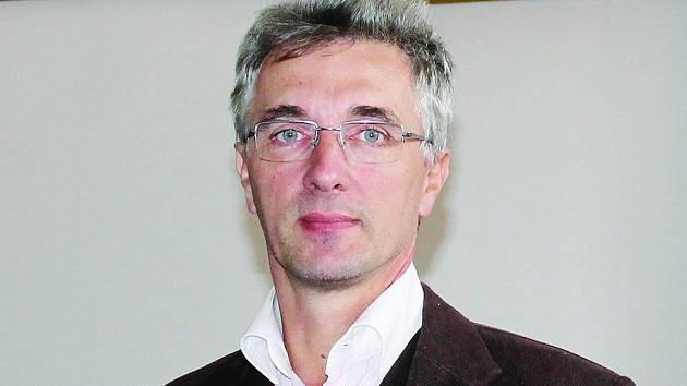 Pastor hustopečské Apoštolské církve Karel Fridrich.