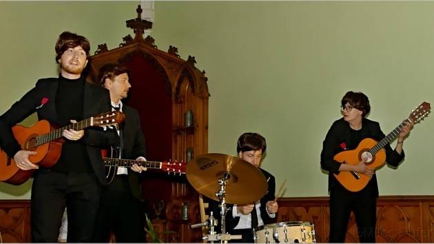 Netradiční večer plný hudebních hvězd zažili návštěvníci lednického zámku.