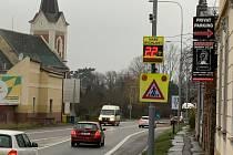 Spěchající řidiče ohlídají v Mikulově nové radary, měří i teplotu.