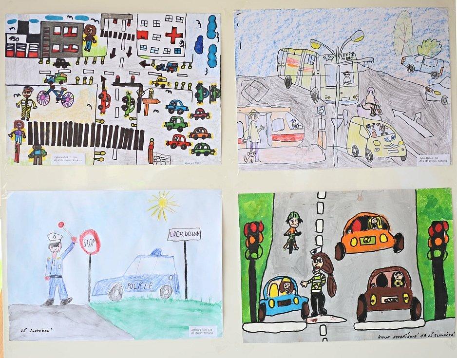 Školáci malovali na téma Bezpečnost v dopravě.