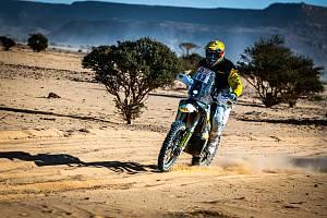 Jan Brabec se při své třetí účasti na Rallye Dakar pohybuje ve čtvrté desítce pořadí motocyklistů.