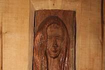 Výstava řezbáře Josefa Fröhlicha pod názvem Žena – věčná inspirace.