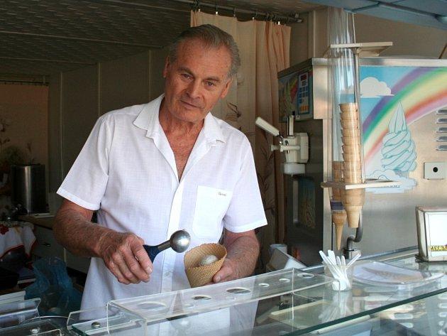Zmrzlinář Petr Novotný