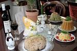 Pudingové speciality provoněly o víkendu Eat Art Gallery v Mikulově. Slané i sladké dobroty známé již z jídelníčku králů a papežů připravila majitelka mikulovské galerie Jitka Plesz.