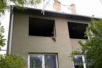 V jednom z hustopečských bytových domů se rozhořel požár po výbuchu plynu.