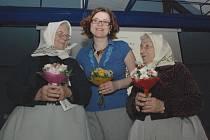 Dagmar Benešová se inspiruje při tvorbě omalovánek u maláreček Marie Švirgové z Lanžhota a Marie Polínkové z Kostic.