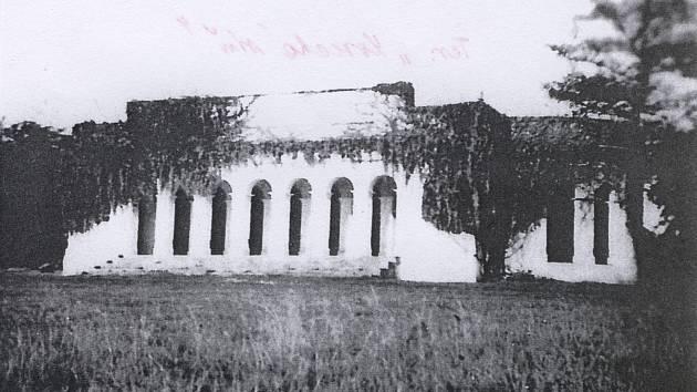 Původní dobové fotografie zámečku
