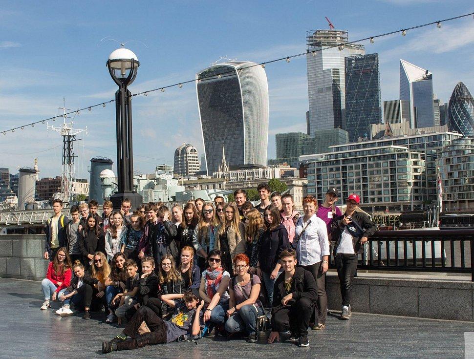 V základní škole Hustopeče na Komenského ulici pořádají i exkurze do zahraničí.