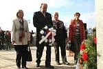 U pomníku prvního československého prezidenta T. G. Masaryka v Břeclavi zněla česká i slovenská hymna.