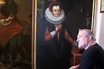 """Pavel Klimeš z Pouzdřan restauroval obraz pernštějnské """"Mony Lisy""""."""