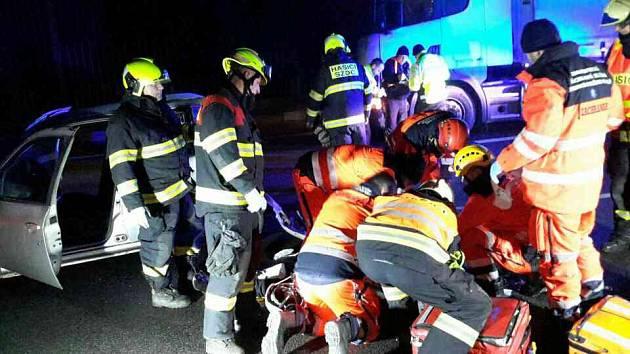 Žena je po nehodě na dálnici D1 u Holubic v kritickém stavu