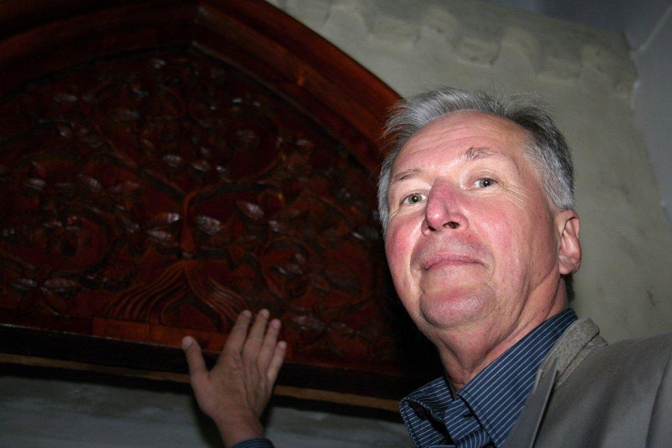 Bohumil Vurm je společně s přítelkyní autorem historické výstavy o víně.