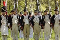 Výcvik a manévry vojáků z doby Napoleona se uskutečnil v sobotu u zámečku Belvedér ve Valticích. Návštěvníci si mohli prohlédnout rovněž vojenský tábor.