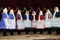 Ženské pěvecké sbory v Bulharech.