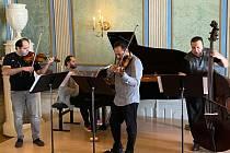 Lednicko valtický hudební festival zahájí Janoska Ensemble.