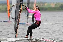 Jana Slívová se stala na Nových Mlýnech mistryní Evropy ve Windsurfingu.