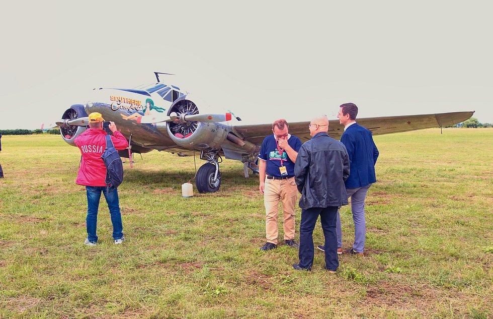 Sobotním leteckým dnem vyvrcholilo Mistrovství světa v letecké akrobacii, které se konalo v Břeclavi.