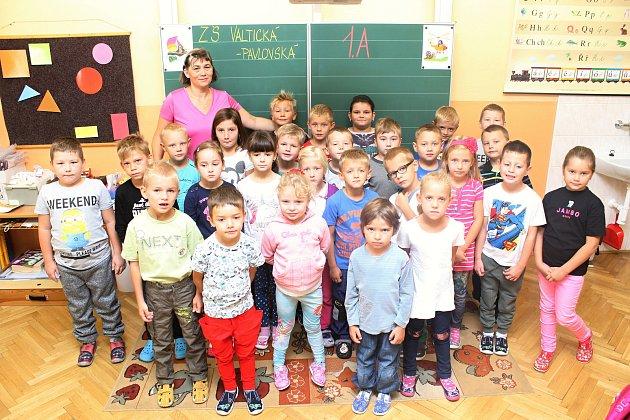 Základní škola Mikulov Valtická, třída 1.A. vulici Pavlovská, třídní učitelka Markéta Nezbedová.