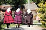 Dvanáct žen z Moravské Nové Vsi nafotilo unikátní kalendář na příští rok.