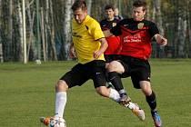 Fotbalisté Krumvíře doma přejeli Hlohovec. Přestože hráli poločas v oslabení.