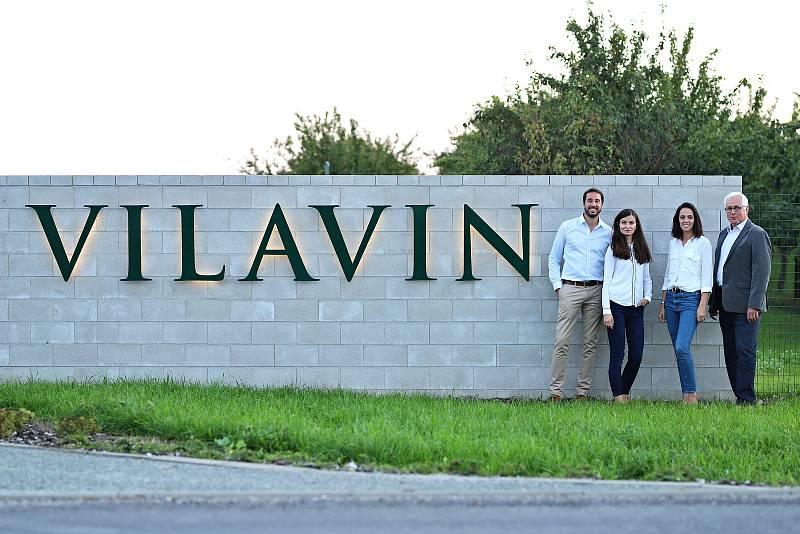 Rodina Kasparových v Dobrém Poli roky budovala Gravitační vinařství Vilavin. Způsobem zpracování hroznů se řadí k jedněm z mála na světě.
