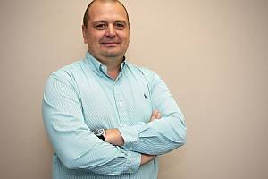 Jednatel společnosti CDC Data Luboš Strapina. Firma se zabývá informačními technologiemi.