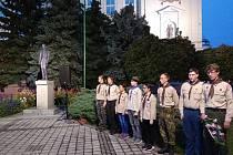 Břeclavští skauti oslavují výročí sametové revoluce netradičně.
