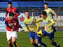 Na snímku hráč MSK Břeclav Matěj Kristoň (uprostřed).
