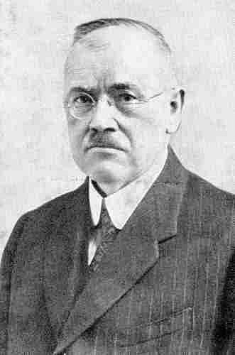František Sovadina vedl okresní národní výbor, který na přelomu října a listopadu 1918 jednal o převzetí břeclavské radnice z rukou Němců.