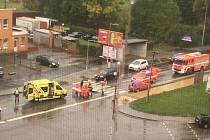 Muž v důchodovém věku se zrovna projížděl po Bratislavské ulici, když ho srazilo osobní auto.