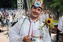 Titulem nejlepší tanečník verbuňku na Slovácku se pyšní Martin Kobzík z Týnce. Člen folklorního souboru Břeclavan si ve finále verbířské soutěže na sedmašedesátém ročníku Mezinárodním folklorního festivalu ve Strážnici vytančil prvenství.