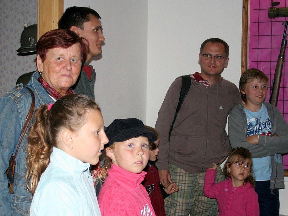 Prohlídka Muzea železné opony ve Valticích.