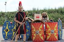 Návštěvníci pasohláveckého pavilonu Circus Maximus zažili výcvik legionářů a zhlédli představení s Asterixem a Obelixem. Vyzkoušet si mohli také skládání mozaiky, tkaní opasků, táborový život i jídlo římských legionářů