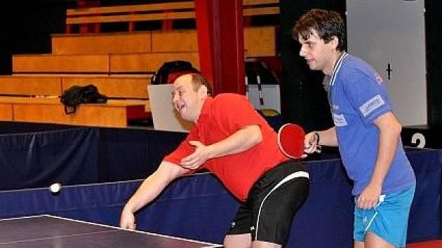 Stolních tenistů se sice sešlo jen pár, přesto si na Štěpána neodpustili turnajová klání.