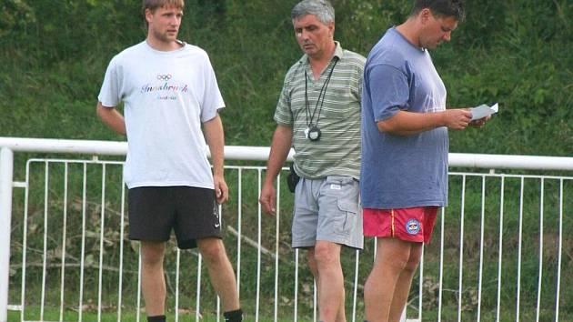 TrenérJirava (uprostřed) je v klubu nováčkem, stejně jako Polášek (vlevo)