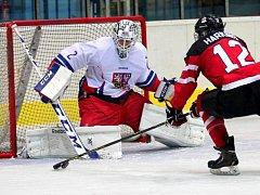 Čeští hokejisté podlehli ve finále mladým nadějím Kanady.