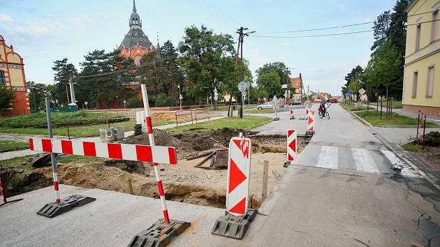 Nově vznikající přechod v břeclavské městské části Poštorná.