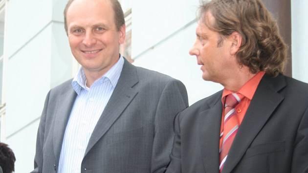 Petr Gandalovič (vlevo)