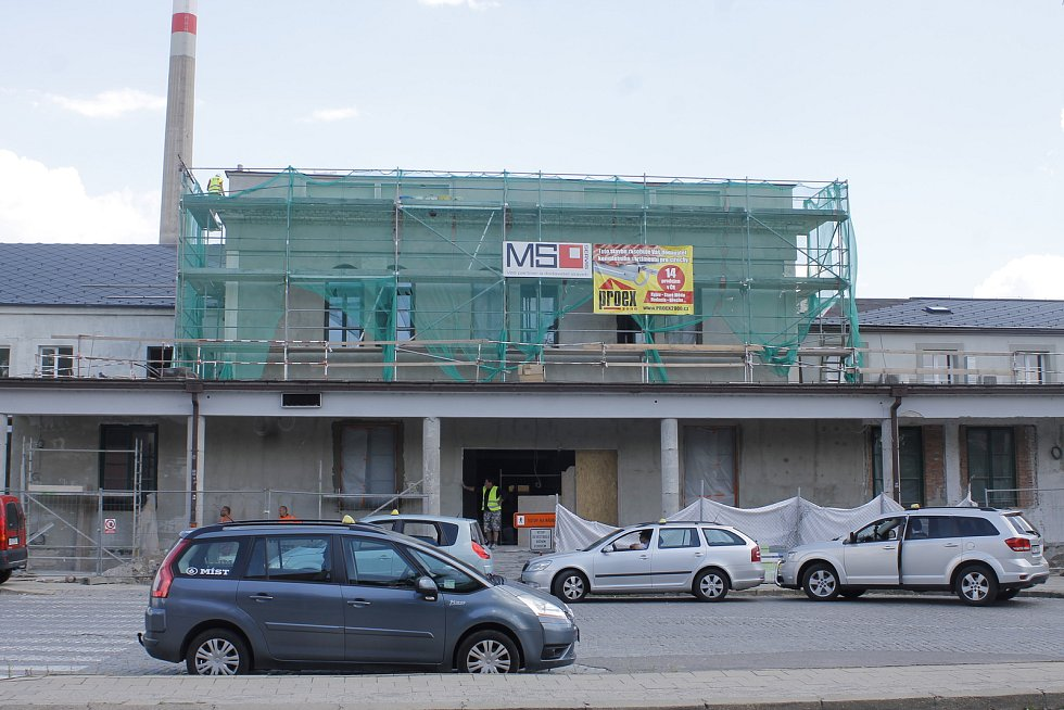 Průběh oprav břeclavského nádraží - snímek z loňského července.