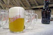 Zástupci Zámeckého pivovaru Břeclav v pondělí představili nové pivo Podlužan i jeho logo.