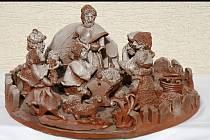 V Hustopečích se dražily nejen výrobky klientů z domovů Betlém, Narnie a Arkénie, ale i další umělecká díla a vína. Také Betlém se spoustou postaviček.