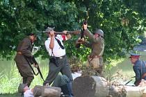 Do potyčky se zapojila i německá policie.