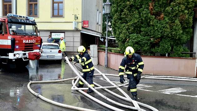Hasiči zasahovali v pátek odpoledne v Mikulově u dvaceti událostí v souvislosti s odčerpáváním vody.