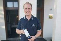 V soutěži Suché víno online museli poprvé dělit titul šampiona. Dva vzorky Rulandského modrého, z Mikrosvínu Mikulov (na snímku) a Šlechtitelské stanice ve Velkých Pavlovicích dosáhla stejného hodonocení.