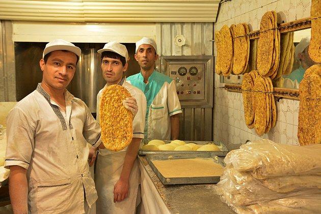 Tradiční iránský chléb.