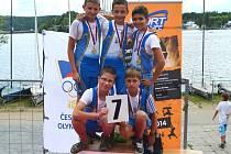 Mladší žáci Břeclavi Matěj Helešic, Dany Kubík, Petr Polášek, Jan Turek s kormidelníkem Lukášem Nešporem získali v Brně titul přeborníků Moravy na párové čtyřce.