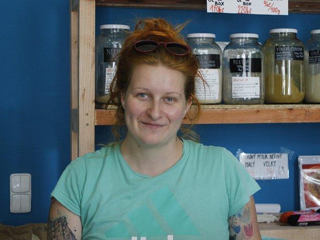 Martina Hanáčková si vBřeclavi otevřela bezobalový obchod Sypej. Lidé vněm najdou bezobalovou drogerii, těstoviny, ořechy, koření a mnoho dalšího.