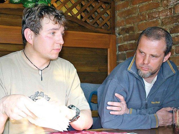 BYLO JICH PĚT. Miroslav Vodák a Jiří Caha jsou dva z pěti odvážných, kteří jezdí za dobrodružstvím do Skandinávie.