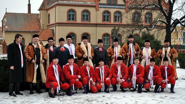 Poštorenská chasa zakončila národopisný rok tradiční volbou stárků.
